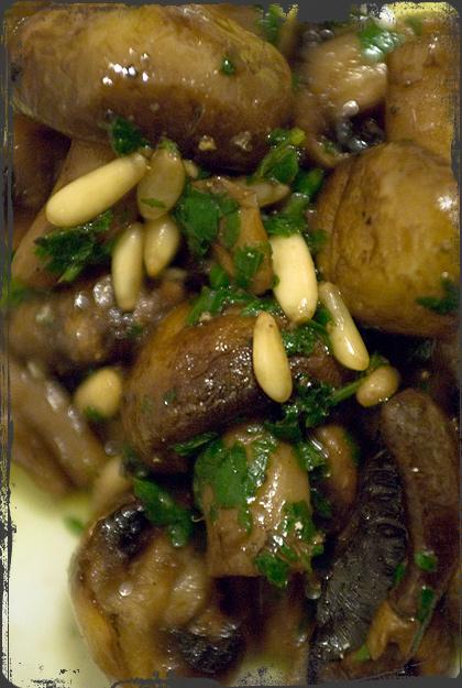 Champignon al forno con pinoli