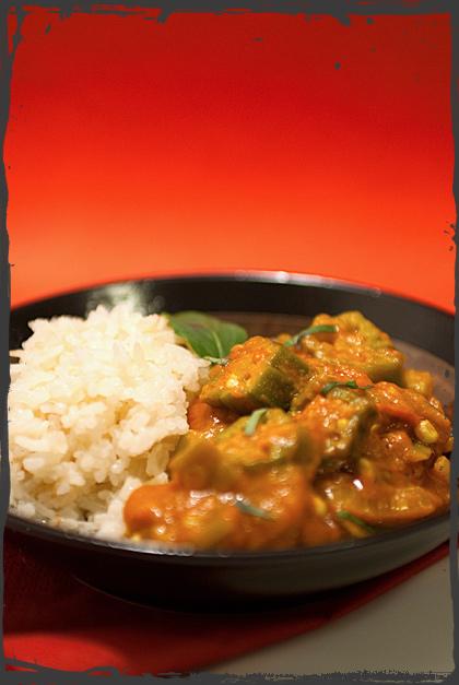 Bhindi Masala con riso Pilaf